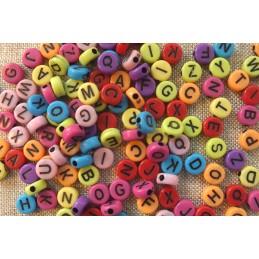 100 perles rondes multicolores lettre noire 7 mm (02)