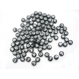 100 perles rondes noires lettres blanches 7mm