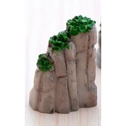 MINIATURE EN  RESINE : rocher 2*1.5cm  hauteur 3cm (02)