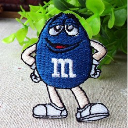 APPLIQUE TISSU THERMOCOLLANT : M & M bleu 85 x60mm