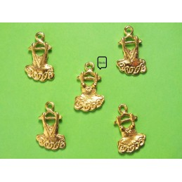 LOT 5 CHARMS METALS : robe 20 mm