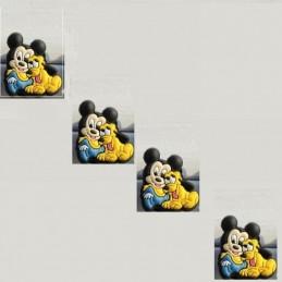 4 CHARMS PLASTIQUES POUR DECORATION CHAUSSURES PLASTIQUES : Mickey et Pluto (07)