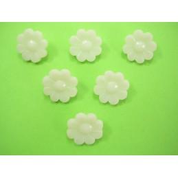 LOT 6 BOUTONS : fleur unie blanche 15mm