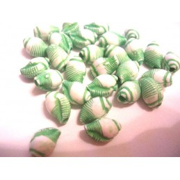 LOT 20 PERLES ACRYLIQUES : coquillage vert 8mm