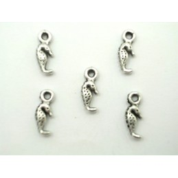 LOT 5 CHARMS METALS...
