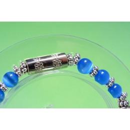 BRACELET  PERLES VERRES BLEUES  : 18/20cm monté sur fil élastique par mes soins