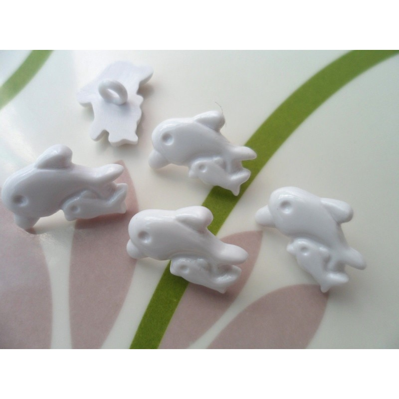 LOT 6 BOUTONS : dauphins blanc 19mm