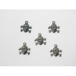 LOT  5 CHARMS METALS : Tete de mort 9mm