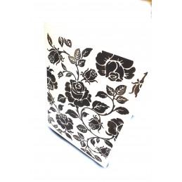 """Classeur d'embossage en plastique motif """"Les roses""""  format  14.5*10.6*0.3 cm"""