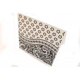 """Classeur d'embossage en plastique motif """"florish card"""" format 14.5*10.6*0.3 cm"""