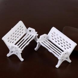 MINIATURE EN PVC : lot 2 bancs blancs 1.7cm x0.80cm