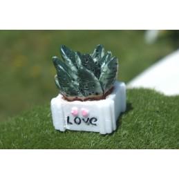 MINIATURE RESINE : cactus dans son pot décoratif hauteur 2.5cm (07)