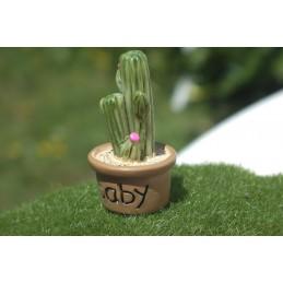 MINIATURE EN RESINE : cactus hauteur 3.5cm (18)
