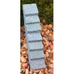 MINIATURE EN RESINE : escalier droit gris longueur 6cm