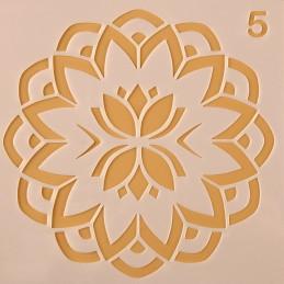POCHOIR PLASTIQUE 13*13cm : motif fantaisie (42)