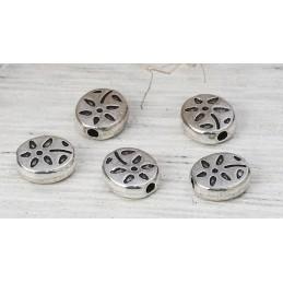 LOT 20 PERLES METALS : ovales motif fleur argentées 7mm